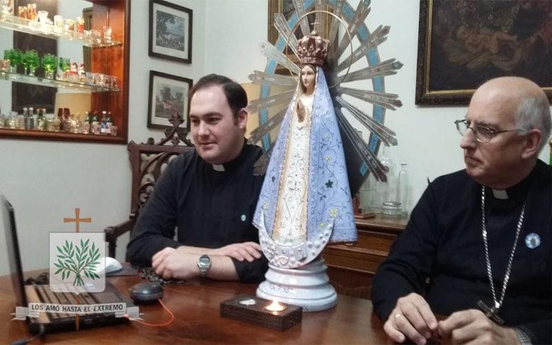 CABA   Mons. Olivera rezó el Santo Rosario con las Misioneras del BMMA y el BMGB