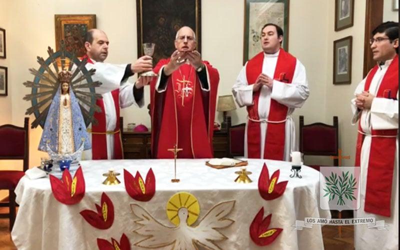 Mons. Olivera   Pedimos por nuestra Patria, para que transitemos caminos de fraternidad, de amistad social, de encuentro, de dialogo, de república, de una patria que nos incluya a todos
