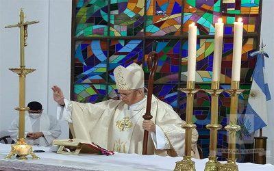 Mons. Olivera   Que Ntra. Sra. de Stella Maris, nos sostenga en este particular tiempo, que, en la barca de nuestra vida, no haya tormenta en la que no esté María y su Hijo Jesús, invitándonos a la renovación de la fe