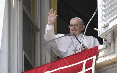 Papa Francisco | Una sociedad cuyo centro sean los intereses en lugar de las personas es una sociedad que no genera vida